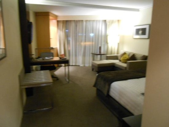 Grand Millennium Auckland: Room from entrance