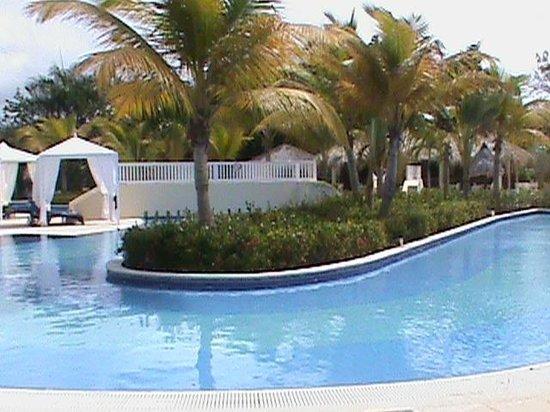 Luxury Bahia Principe Cayo Levantado Don Pablo Collection: Tranquility at Playa Pool