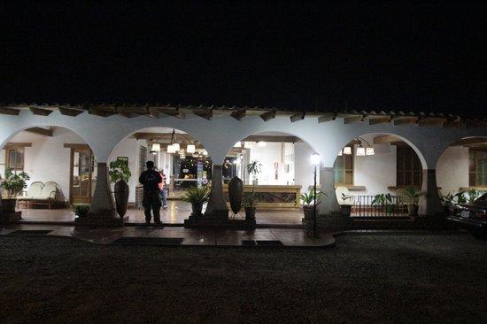 Casa Hacienda Nasca Oasis: Entrada del hotel