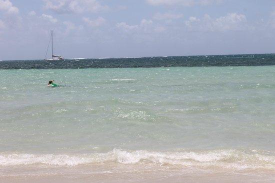 Blue Beach: Clear blue waters!
