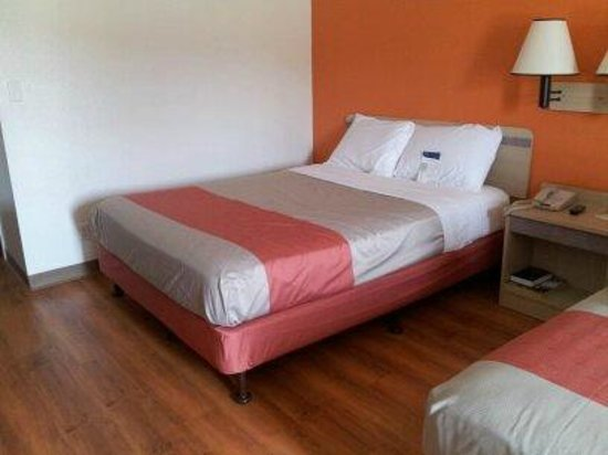 Motel 6 San Simeon: New Paint, Beds, and Flooring