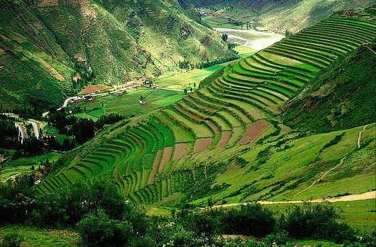 Sacred Valley of the Incas: Lookout into the Sacred Valley
