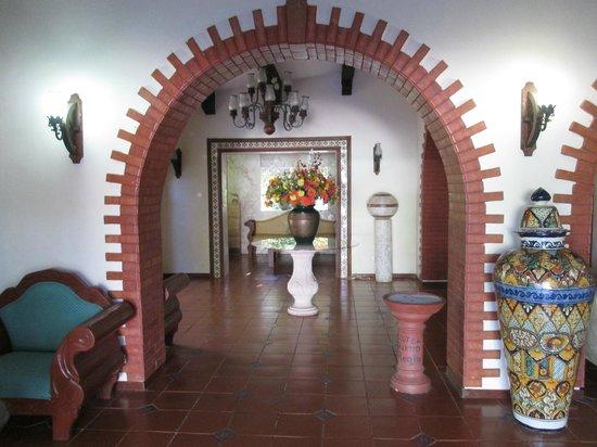 Ecotel Quinta Regia lobby