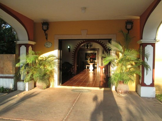 Front entrance upon arrival at the Ecotel Quinta Regia