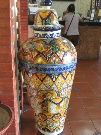Gorgeous pottery in front entrance of the Ecotel Quinta Regia