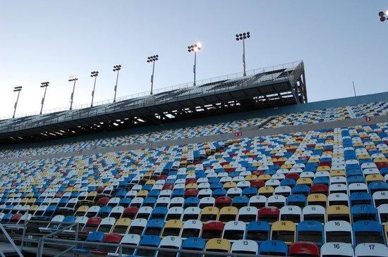 Daytona International Speedway: Grandstand seating