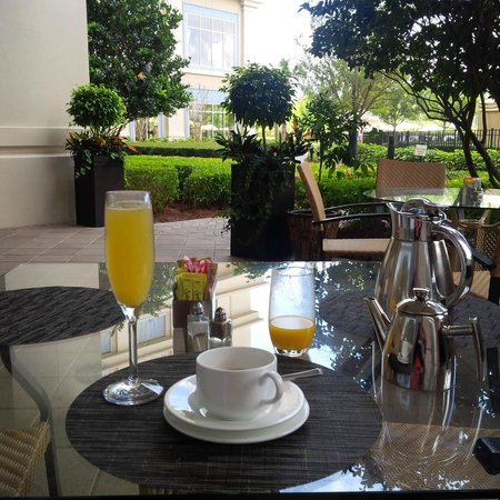 Waldorf Astoria Orlando: breakfast and a mimosa