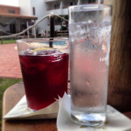 Hotel Pradillo Conil: Piscina bar