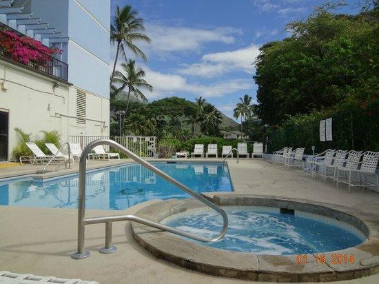 Hawaiian Princess Resort: Pool and jacuzzi