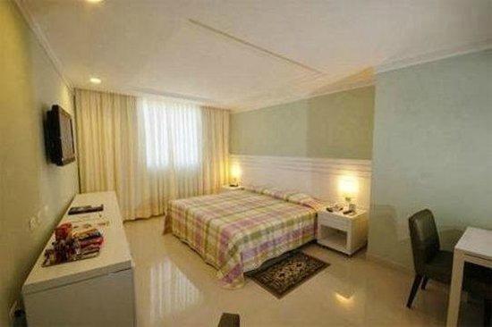Hotel Bandeirantes : habitacion