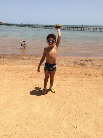 Nubia Aqua Beach Resort : Better swim at the end of bridge