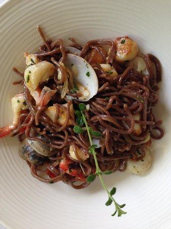 Antonio's Garden: seafood pasta