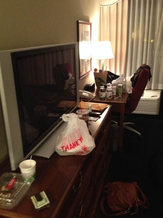 Hampton Inn San Diego - Kearny Mesa: tv desk