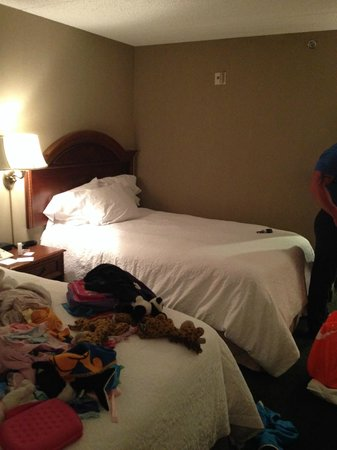 Hampton Inn San Diego - Kearny Mesa : bed
