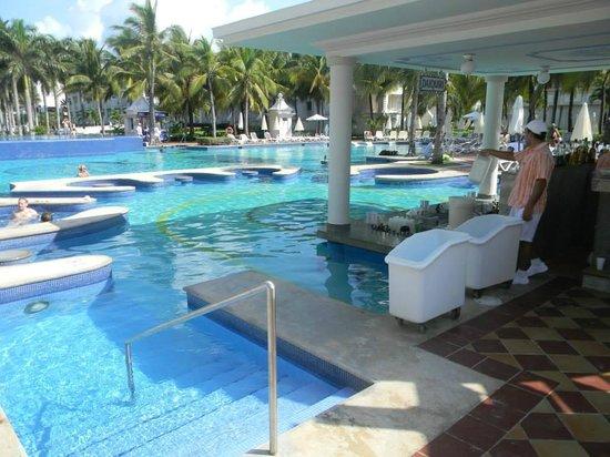Hotel Riu Palace Riviera Maya: Swim Up Bar