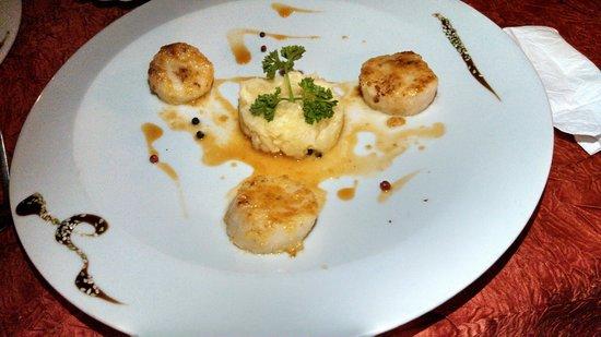 La Villa Restaurant: Appetizer - scallop