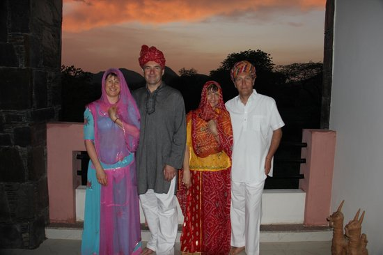 The Royale Country Retreat: COUPLES IN INDIAN GEAR