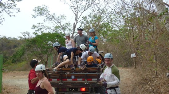 Canopy del Pacifico Mal Pais: riding up to the zip lines