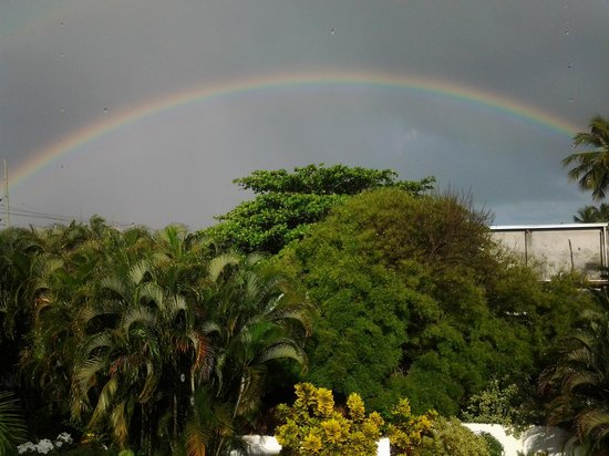 Casa Blanca Hotel & Surf Camp: rainbow
