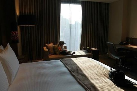 Marco Polo Ortigas Manila : view from bed