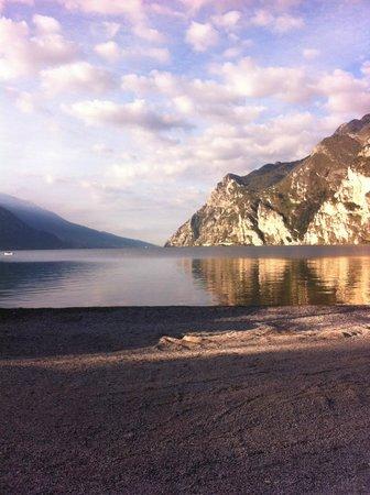 Hotel Oasi Wellness & Spa: Gardasøen set fra hotel Oasi