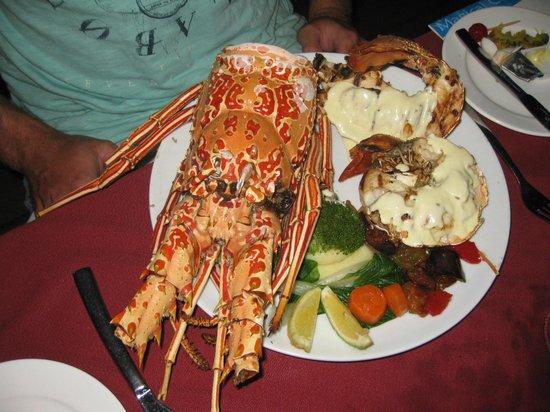 Mana Island Resort: South Beach Restaurant - Lobster