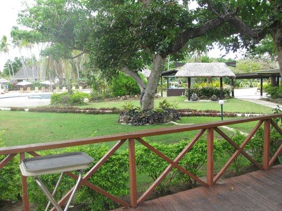 Mana Island Resort: North Beach area - from Mamanuca Restaurant