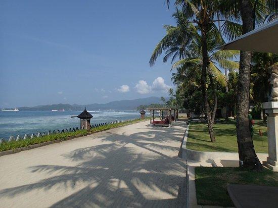 Rama Candidasa Resort & Spa: Beach