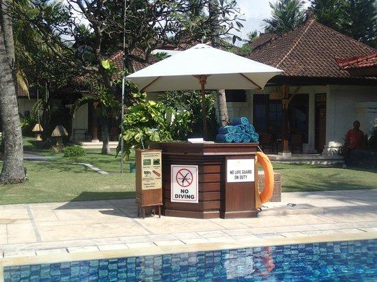 Rama Candidasa Resort & Spa: Lifeguard stand