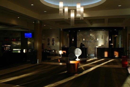 Sheraton Cavalier Hotel: ロビー。