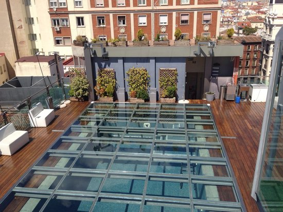 Hotel Santo Domingo Madrid: The closed pool