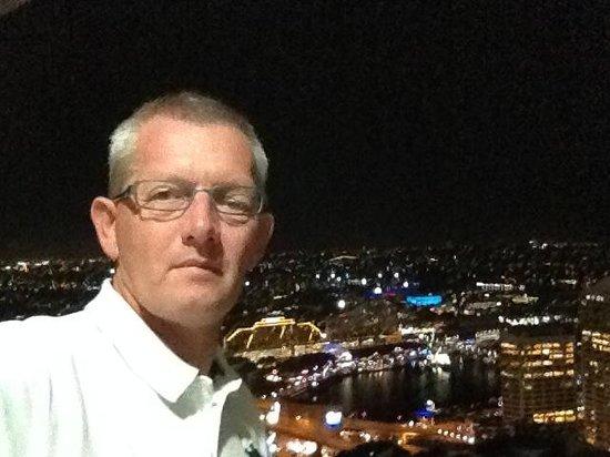 Meriton Serviced Apartments Kent Street: Selfie - view from 5 floor at Meriton Apartments Kent Street in Sydney