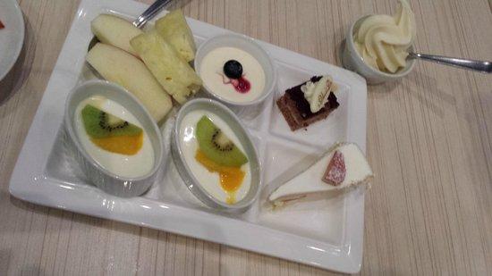 Minakami Kogen Hotel 200 : 人気のケーキ