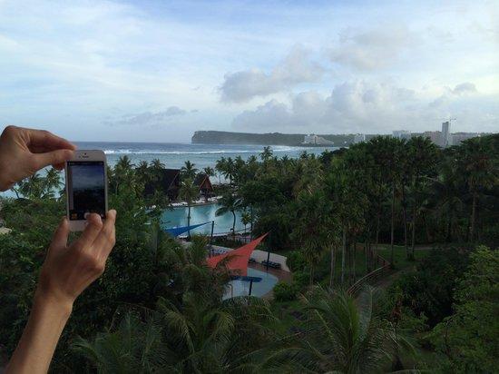 Pacific Islands Club Guam : オセアナタワーからの眺望(下にプール有り)