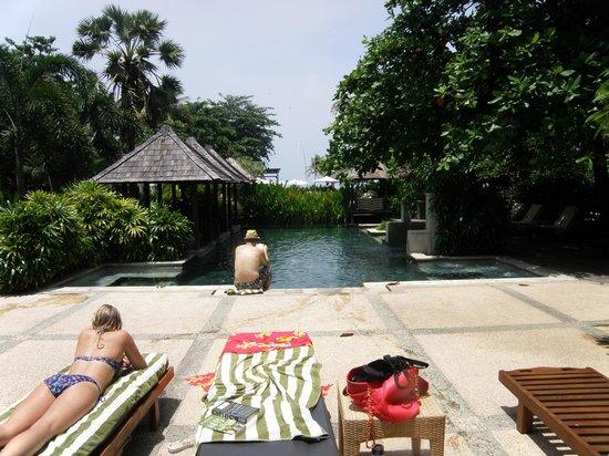 Bali Garden Beach Resort: Tanning