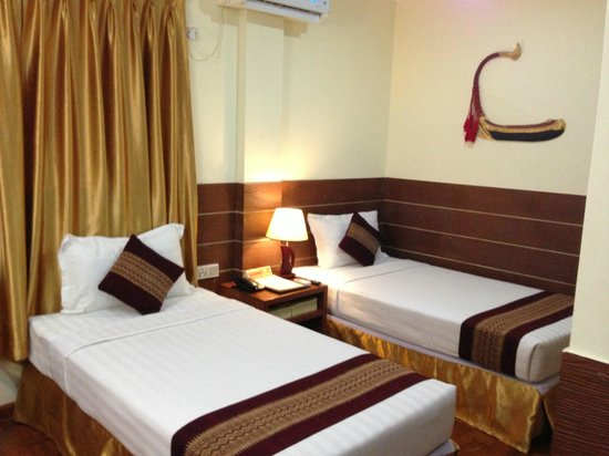 Hotel Yadanarbon: Twin room
