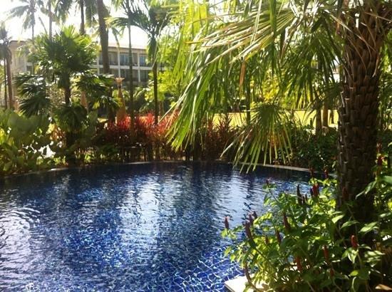 SENTIDO Graceland Khao Lak Resort & Spa : pool, exit from the room....