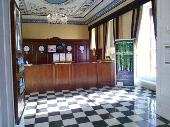 Shrigley Hall Hotel, Golf & Country Club: Reception Area