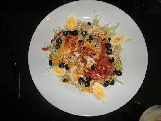Nico's: Salad main dish