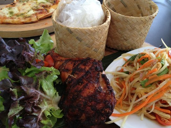 Flow House Bangkok: BBQ Chicken served with som-tum and sticky rice
