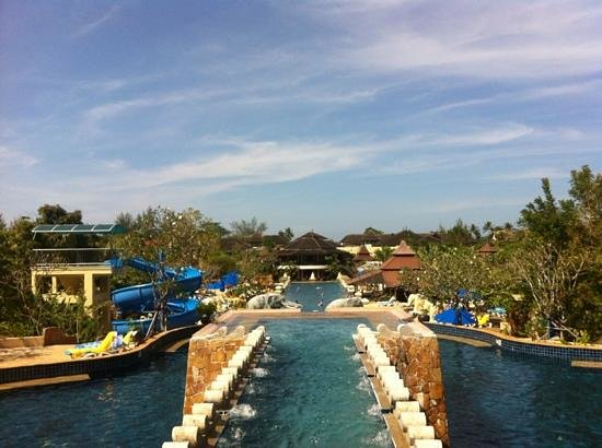 Centara Seaview Resort Khao Lak: pools from hotel
