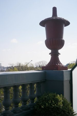 Hotel Des Indes, a Luxury Collection Hotel: Small terrace