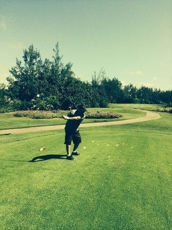 Ile Aux Cerfs Golf Club: Par 5, the fourth hole