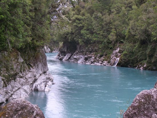 Hokitika Gorge Walk: water in the gorge