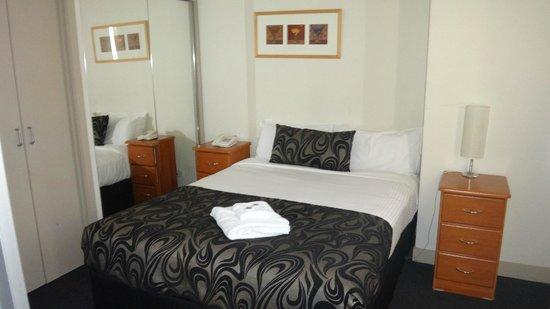 BreakFree on Collins: Bedroom