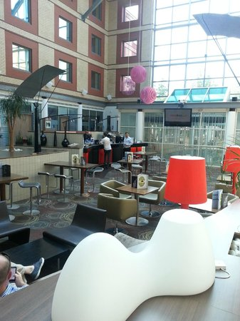 Novotel London Heathrow : The only Coffee Shop with pathetic service