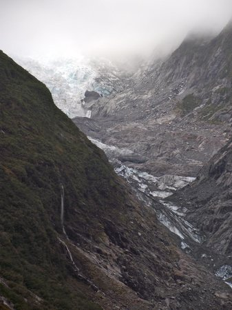 Fox Glacier Hiking Trails: view of Fox Glacier