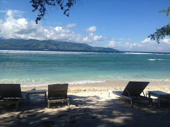 The Trawangan Resort: Beach front
