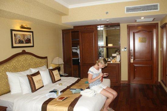 Grand Hotel Saigon: номер в отеле
