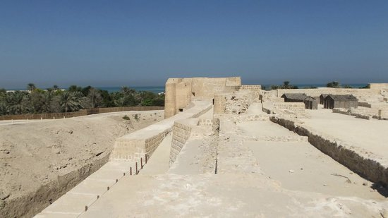 Qalat al Bahrain: Portuguese fort built over remains of many other occupying forces